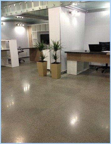 Полімербетонні підлоги пластобет в офісному приміщенні